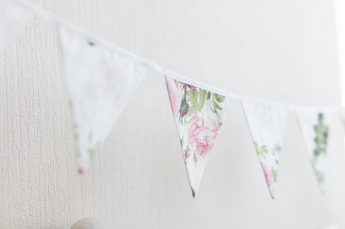 Mini auduma karodziņu virtene, ziedu